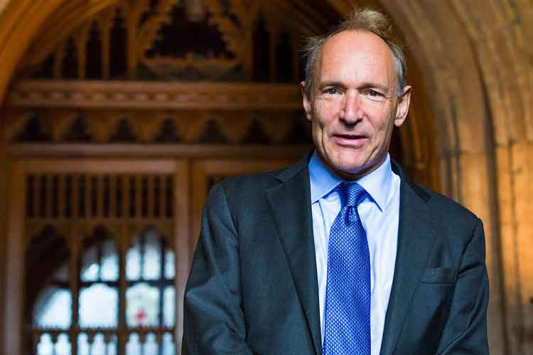 Tim Berners-Lee Kimdir? Tim Berners-Lee'nin Hayatı